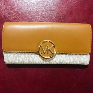 MICHAEL Michael Kors Lillie LG Gusset Carryall Bag